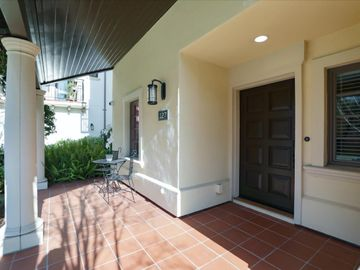 127 Easy St Mountain View CA Home. Photo 3 of 40