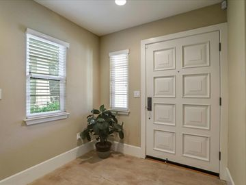 127 Easy St Mountain View CA Home. Photo 5 of 40