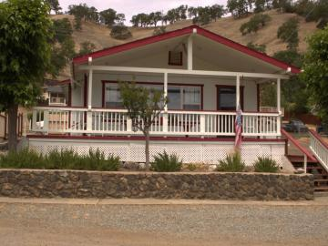 12946 Lakeshore Dr, Clearlake, CA