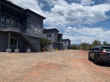 140 Navajo Dr Sedona AZ Multi-family home. Photo 2 of 51