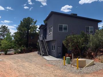 140 Navajo Dr Sedona AZ Multi-family home. Photo 4 of 51