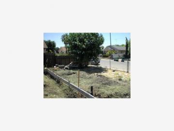 1542 Sunnyside Ave Stockton CA. Photo 2 of 3