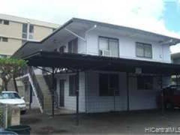 16 Kauila St Honolulu HI Multi-family home. Photo 1 of 7
