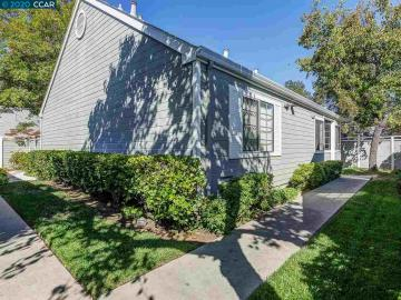 1702 Somerset Pl, Village Point, CA