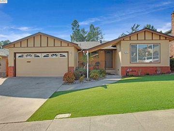 17817 Hillside Ct, Proctor, CA
