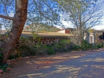 21 Margarite Dr, Oak Creek Knolls, AZ