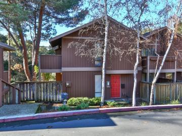 2127 Oak Creek Pl, Fairview, CA