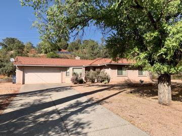 220 Redstone Dr, Oak Creek Knolls, AZ