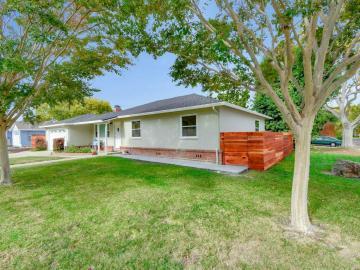 2439 Benton St Santa Clara CA Home. Photo 3 of 29