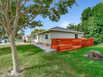 2439 Benton St Santa Clara CA Home. Photo 4 of 29