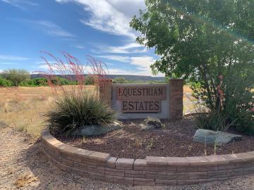 2577 N Paint Dr, Equestrian Estates, AZ