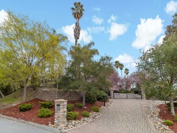28437 Christopher Ln, Los Altos Hills, CA