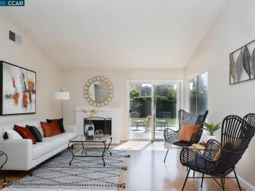 286 Riverwood Cir, Village Oaks, CA