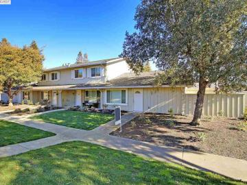 2877 Fountainhead Dr, Twin Creek West, CA