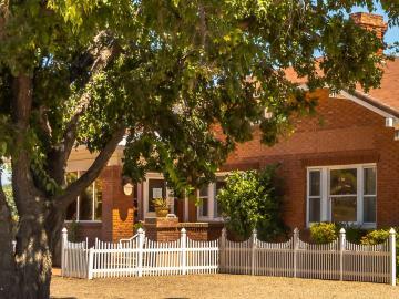 315 S Willard St, Under 5 Acres, AZ