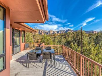 320 Canyon Dr, Oak Creek Knolls, AZ