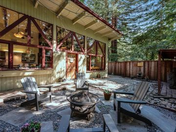 330 Huckleberry Ln, Boulder Creek, CA