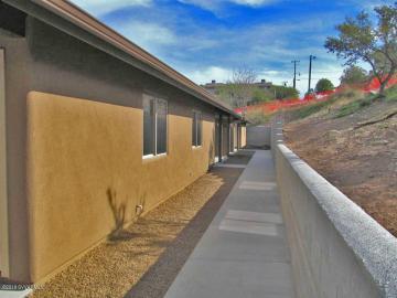 365 Cliffs Pkwy #1, Camp Verde, AZ, 86322 Townhouse. Photo 4 of 5