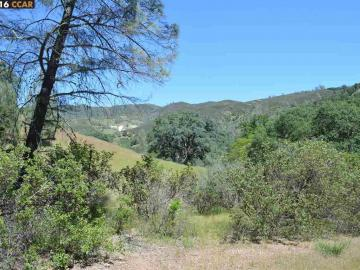 3705 Spring Valley Rd, Clearlake, CA