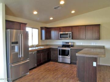 Rental 373 S Cliffs Pkwy, Camp Verde, AZ, 86322. Photo 2 of 5