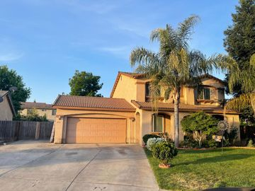 3931 E Hillcrest Ave, Visalia, CA