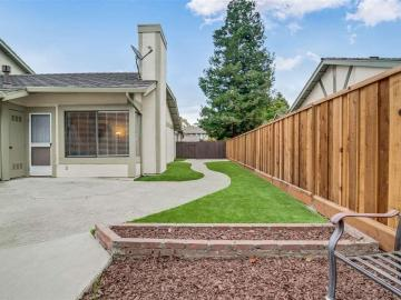 4193 Tanager Cmm, Charter Square, CA