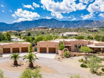 425 E Thorne Rdg, Under 5 Acres, AZ