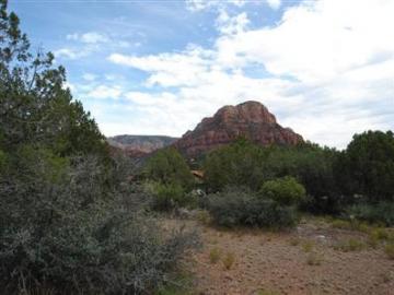425 Oak Creek Cliffs Dr Sedona AZ. Photo 1 of 4