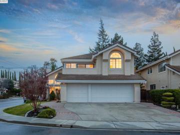 43844 Cameron Hills Dr, Mission, CA
