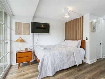 445 Kaiolu St unit #201, Waikiki, HI