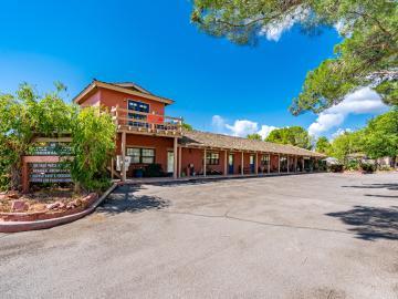 45 Castle Rock Rd, Village Square, AZ