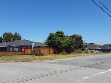 495 Filbert St, Half Moon Bay, CA