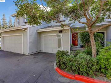 533 Saint John St, Pleasanton, CA, 94566 Townhouse. Photo 2 of 30