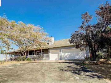 5372 Pleasant Oaks Rd, Valley Springs, CA