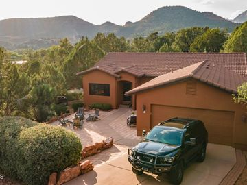 55 Cactus Dr, Oak Creek Knolls, AZ
