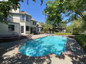 5681 Oakmont Ct, Discovery Bay Country Club, CA