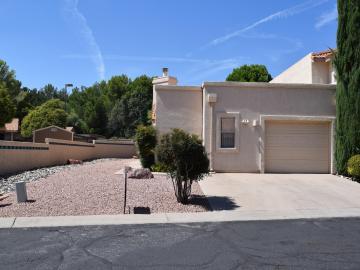 570 S Sawmill Gardens Dr, Cottonwood, AZ, 86326 Townhouse. Photo 2 of 24