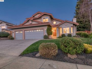573 Sheridan Cir, Portola Glen, CA