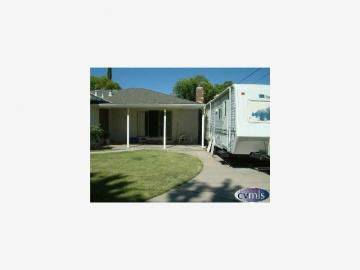 618 Willow Ave Manteca CA Home. Photo 3 of 7