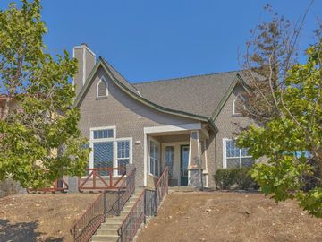640 Saint Christopher Ln, Greenfield, CA