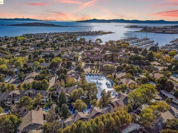 66 Marina Lakes Dr, Marina Bay, CA