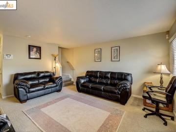 680 Fargo Ave unit #16, Washington Manor, CA