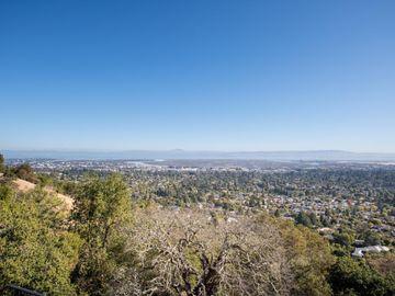 754 Loma Ct, San Carlos, CA