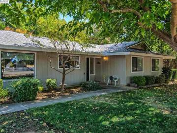 765 Lucknow Ave, Red Bluff, CA