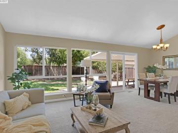7651 Fairoaks Dr Pleasanton CA Home. Photo 4 of 32