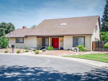 900 Parkside Ct, Modesto, CA