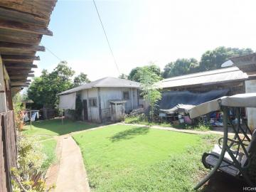 94-111 Pahu St Waipahu HI Multi-family home. Photo 3 of 7