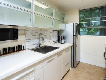 98-1042 Moanalua Rd unit #2-205, Pearlridge, HI