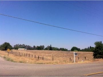 N Mccall, Clovis, CA