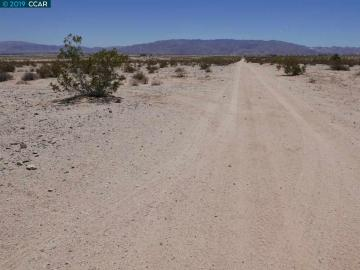 Sunrise Rd Twentynine Palms CA. Photo 2 of 9